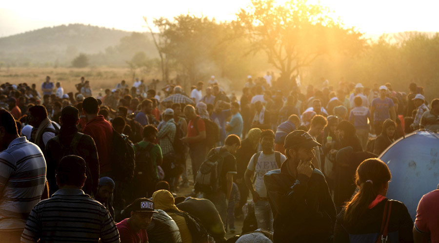 Macedonia declares state of emergency over surge in migrants & refugees, ready to deploy army