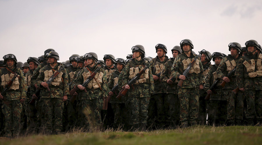 Bulgaria to stage military drills near Macedonian border amid worsening refugee crisis