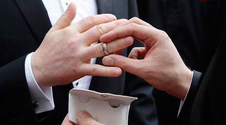 Kentucky denies gay couple right to marry – despite US Supreme Court legalizing same-sex weddings