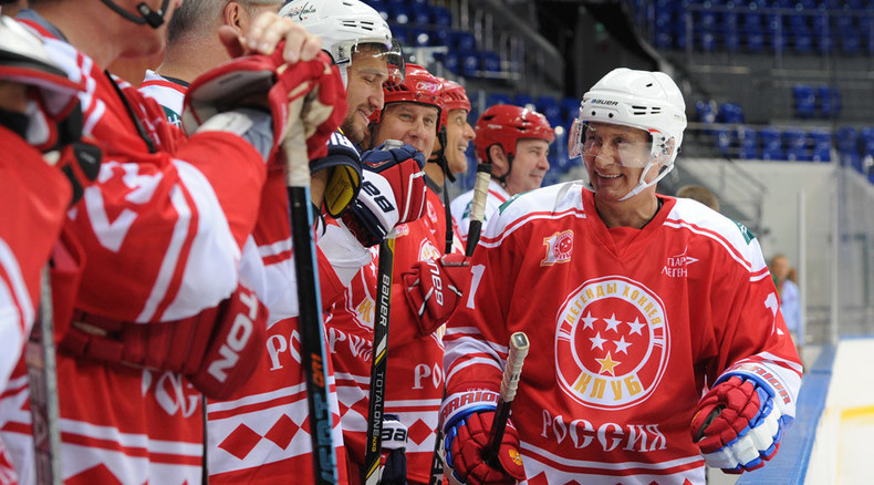 Putin dishes it out against a team of young hockey talents (VIDEO)