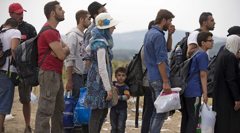 Most French citizens oppose softer rules on refugee status, even for Syrians – poll