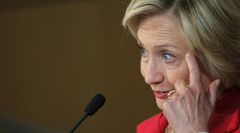 Hillary Clinton apologizes for using private email server