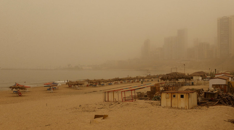 Rare deadly dust storm engulfs MidEast, halting hostilities (VIDEO, PHOTOS)
