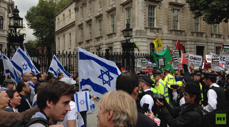 Pro- and anti-Israel activists clash over Netanyahu visit (VIDEO)