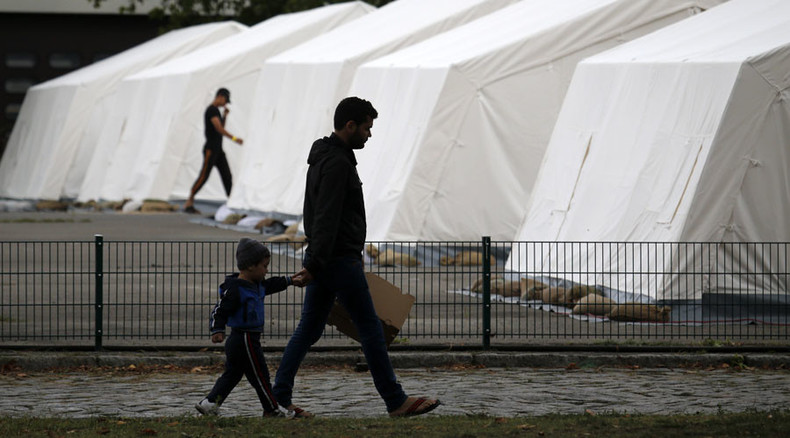 Radical Islamists recruit male youths in refugee camps in Germany