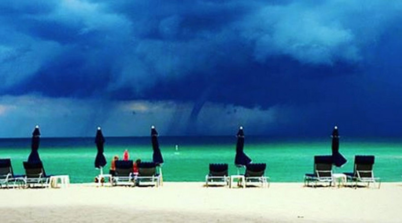 Miami, ocean, sun, beach-goers …and huge waterspouts (PHOTOS, VIDEO)