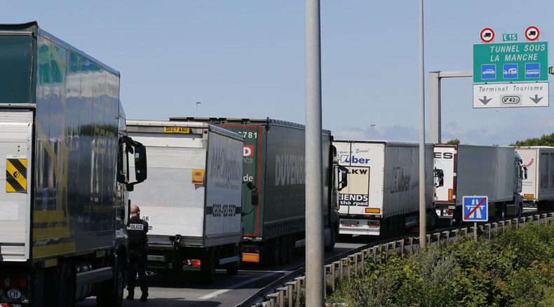 Refugee crisis? There's an app for that! Calais drivers get new download to report stowaways