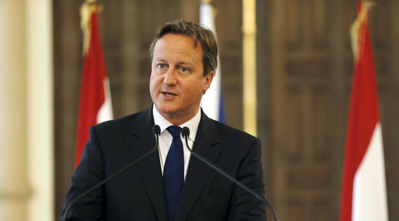 Cameron meets Syrian refugees during Lebanon visit