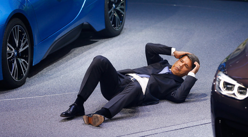 BMW CEO faints on stage during new car presentation (VIDEO)