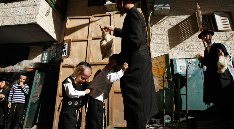 Orthodox Jews can continue chicken-killing ritual in Brooklyn – NYC judge