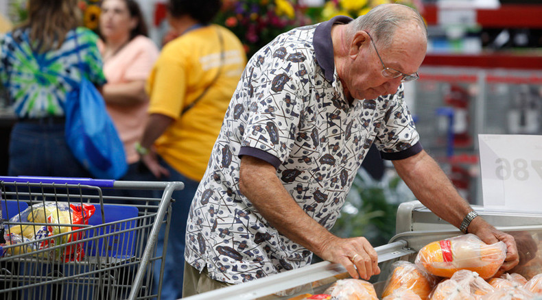 American incomes shrink with no decline in poverty
