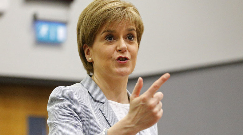 #IndyRef anniversary: SNP leader Sturgeon says Cameron 'living on borrowed time'