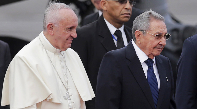 Pope Francis praises US-Cuba rapprochement as role model for entire world