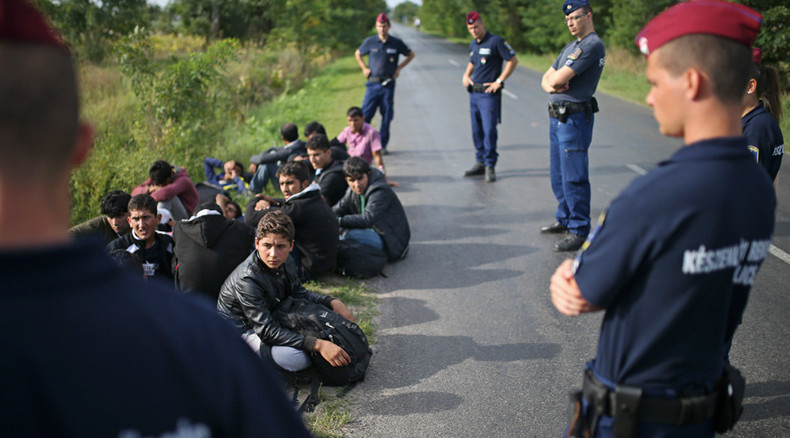 Hungary passes law allowing govt to use army in asylum seeker crisis