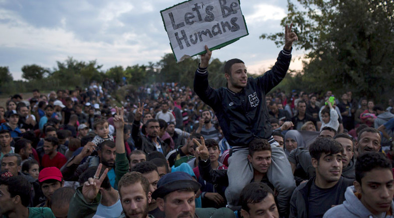 Politicians, pharma companies and media profit from refugee crisis - Udo Ulfkotte