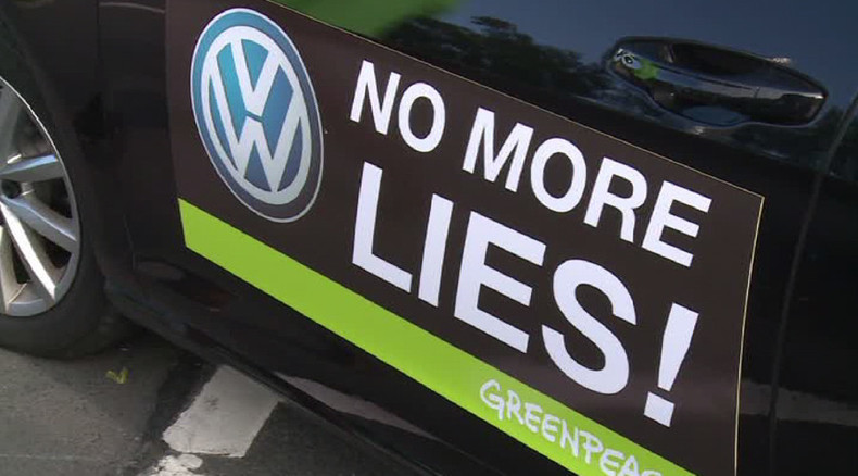 Germany: No more lies! - Activists protest in front of Volkswagen HQ (VIDEO)