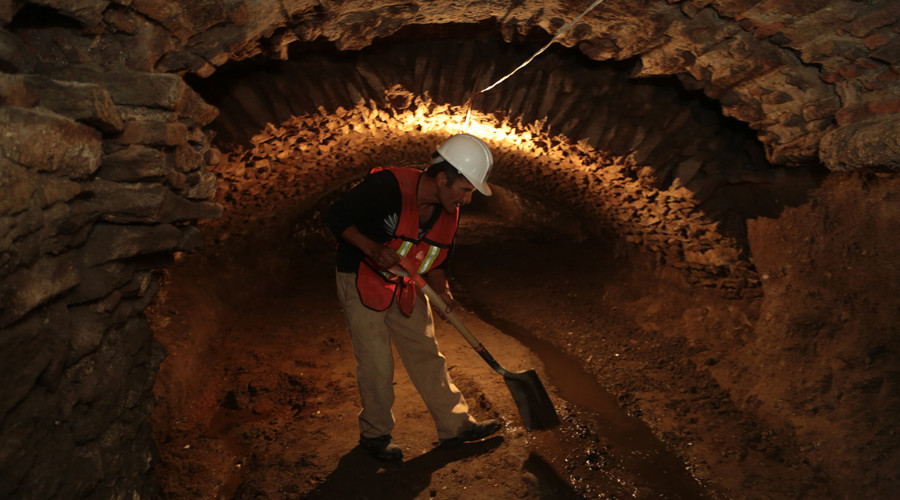 Discovery of secret underground tunnels in Mexico confirms popular urban legend