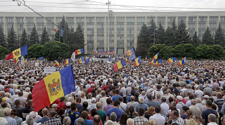 'Today everything changes': Huge protest in Moldova demands new government, president, constitution