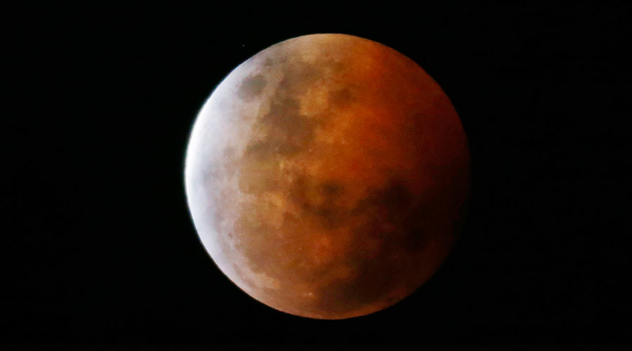 Fly me to supermoon! Chinese airline running special trips for sky-gazers over 2 magical nights