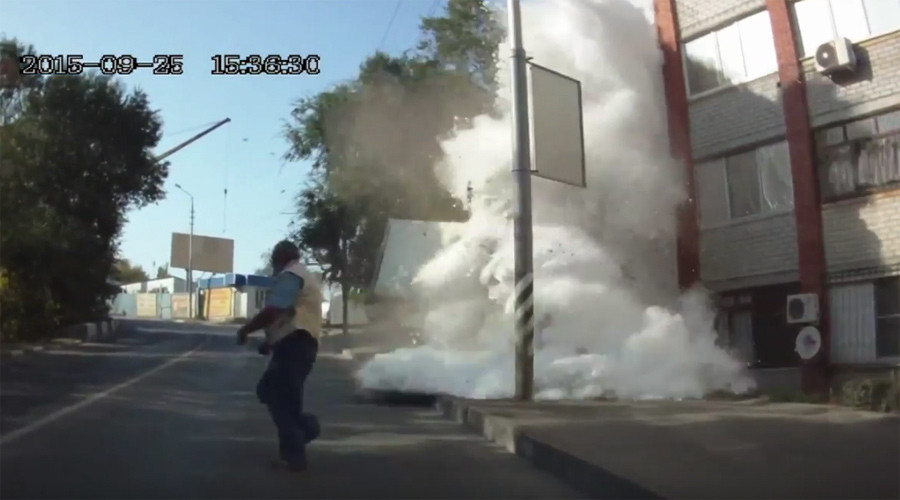 Starch-loaded truck ploughs through playground, crashes into building, covers area in white dust
