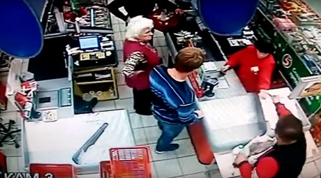 Russian granny knocked off feet with one blow by customer at supermarket