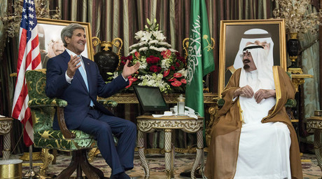 US Secretary of State John Kerry and Saudi King Abdullah bin Abdul Aziz al-Saud at the Royal Palace in Jeddah on September 11, 2014. © Brendan Smialowski