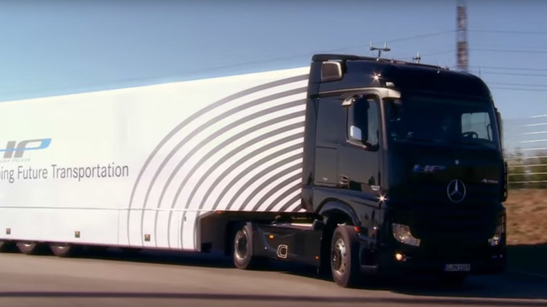 Self-driving Mercedes robot-truck debuts on German autobahn (VIDEO)
