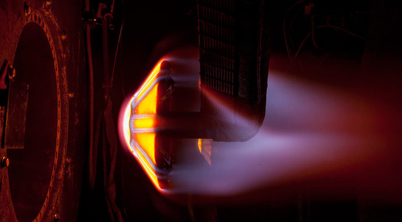 NASA tests umbrella-like heat shield for future manned Mars missions