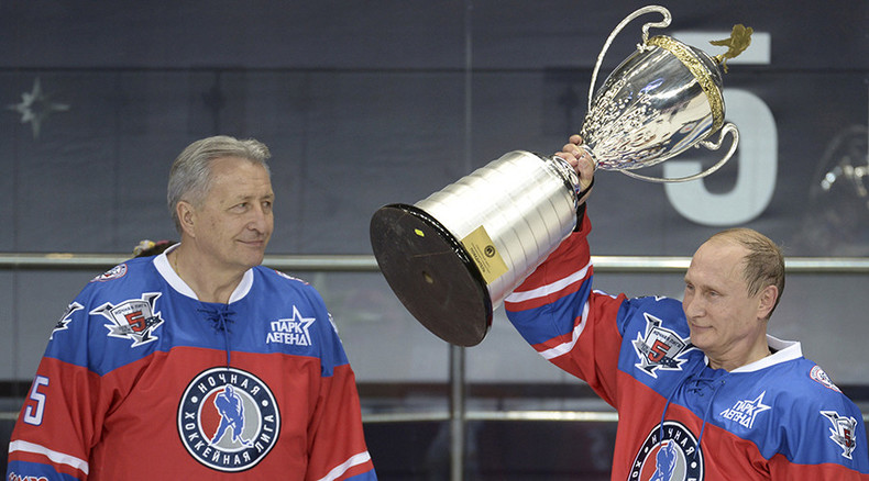 Hockey goals, babushka kisses, and lots of Photoshop on #PutinDay (PHOTOS, VIDEOS)