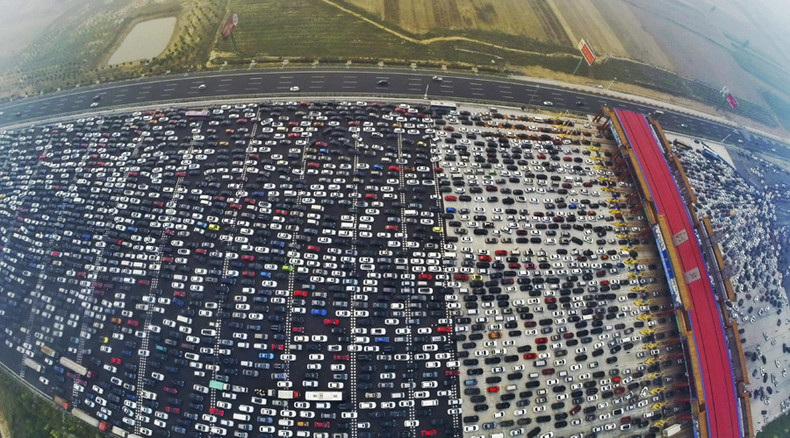 Chinese carpocalypse: Thousands of vehicles stranded on Beijing motorway (PHOTOS, VIDEO)