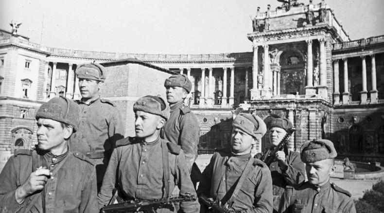 Austrian family unveils inspiring monument to fallen Soviet WWII soldiers
