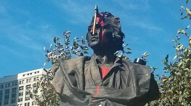 In Detroit, Columbus monument gets axed