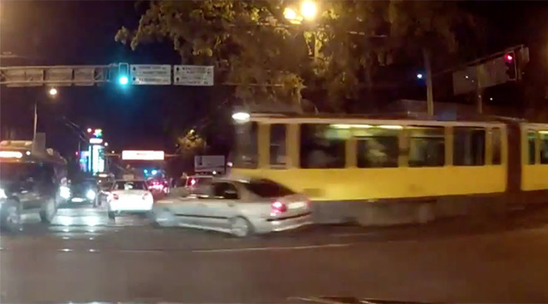 Driverless 10-ton tram ploughs through traffic in Kazakhstan (VIDEO)