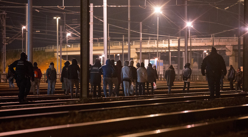 Anti-racism activists head to Calais, oppose Tory refugee policy