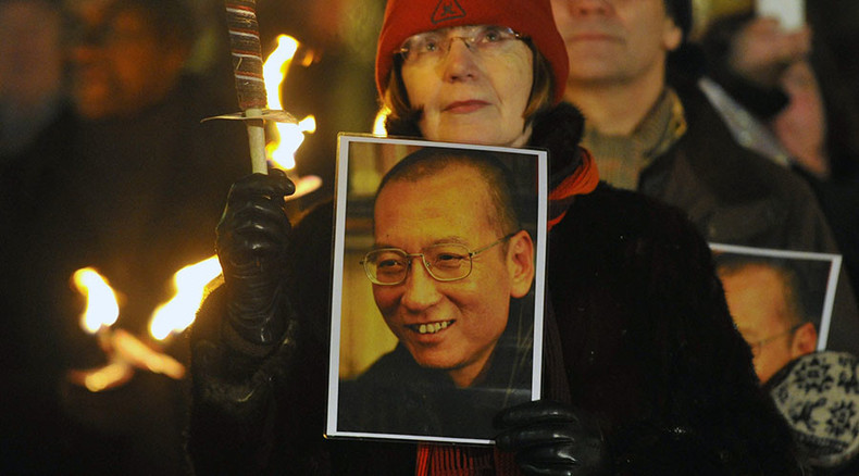 Xi visit: Nobel-winners urge Cameron to raise case of Chinese laureate Liu Xiaobo
