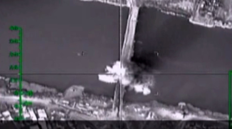 Russian Air Force cuts off ISIS supply lines by bombing bridge over Euphrates