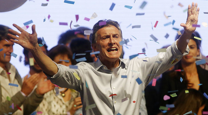 Surprise turnaround as Argentinian opposition candidate Macri takes lead, runoff expected