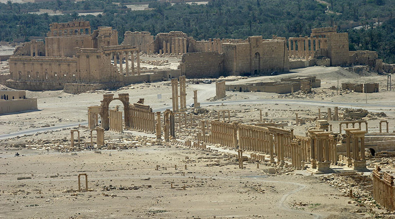 ISIS blows up 3 captives tied to ancient Palmyra columns – reports