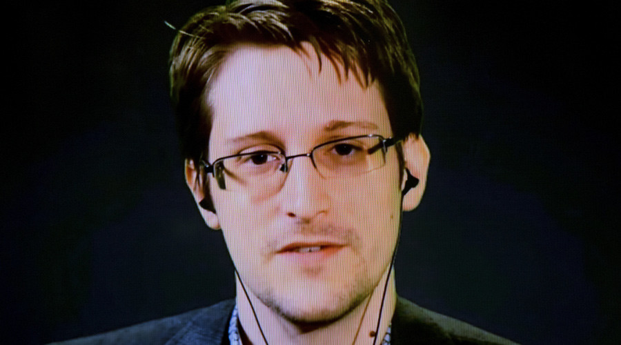 Edward Snowden joins Twitter, makes fatal error, gets 47GB of notifications