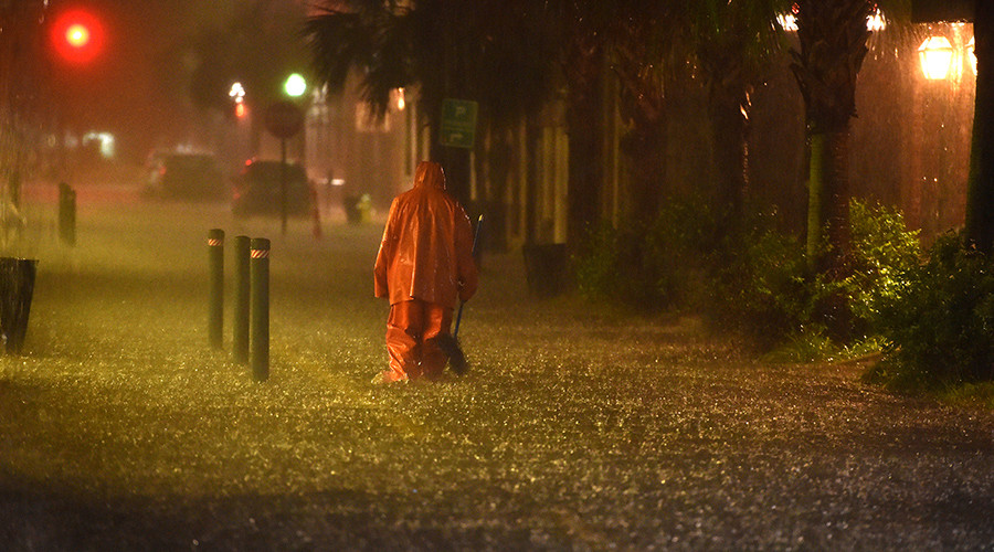 US East Coast plagued by rainfalls & gusty winds (PHOTOS, VIDEO)