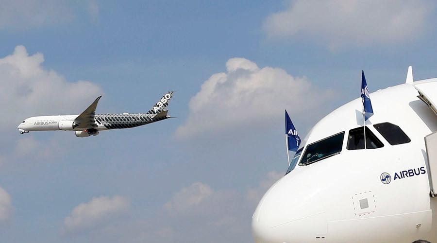 Fresh socks, check: New bunk-bed aircraft design crams passengers closer together