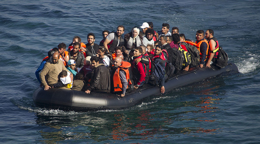 Britain must accept 75,000 refugees per year, Cameron told