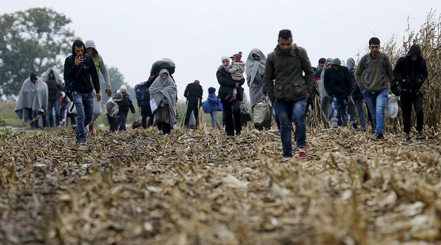 Hungary seals borders as refugees flow into Slovenia