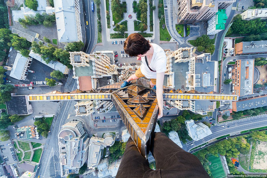 I Ve Been Locked Up 6 Times Russian Rooftopper Stops At