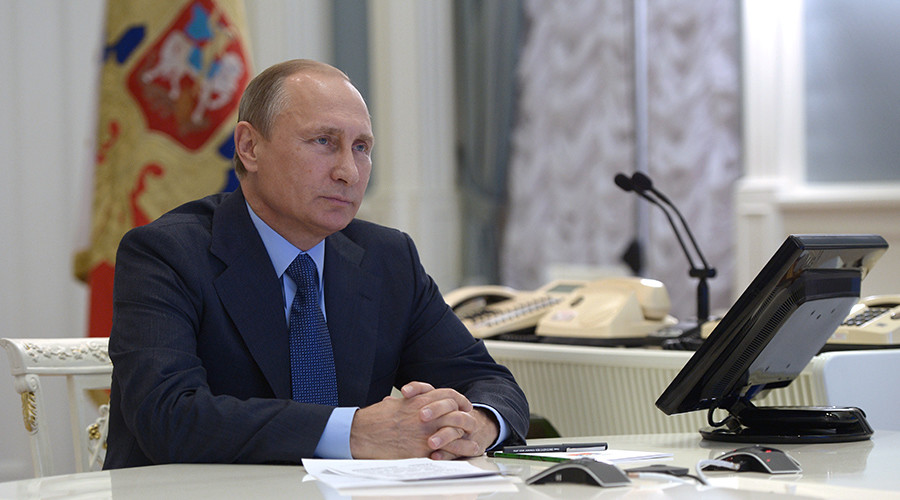 Putin wants to ax dollar from Russian trade