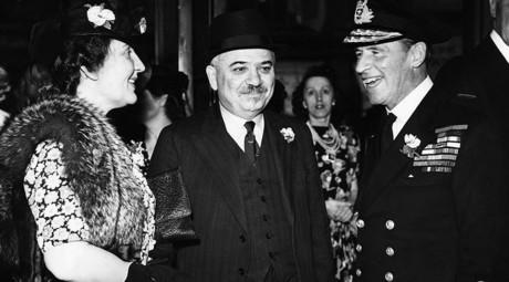 London during the Blitz: Soviet ambassador Maisky glimpses East End life
