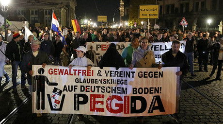 Post-anniversary PEGIDA rally draws over 10,000 'anti-Islamization' protesters in Dresden