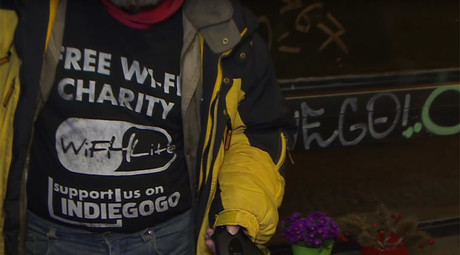 Czech charity helps homeless by turning them into WiFi hotspots