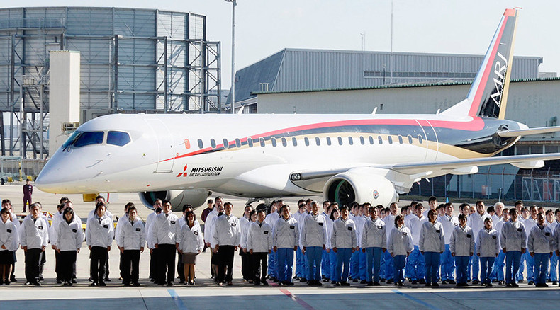 Japan's first passenger jet successfully passes taxiing test