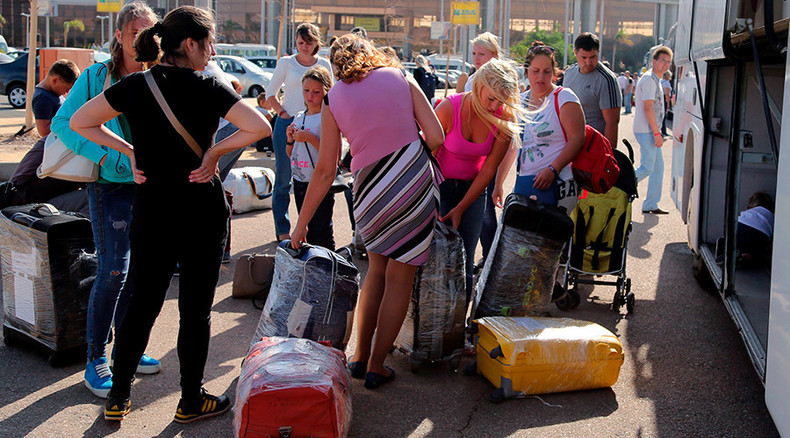 80,000 Russian tourists still in Egypt to travel home separately from their luggage